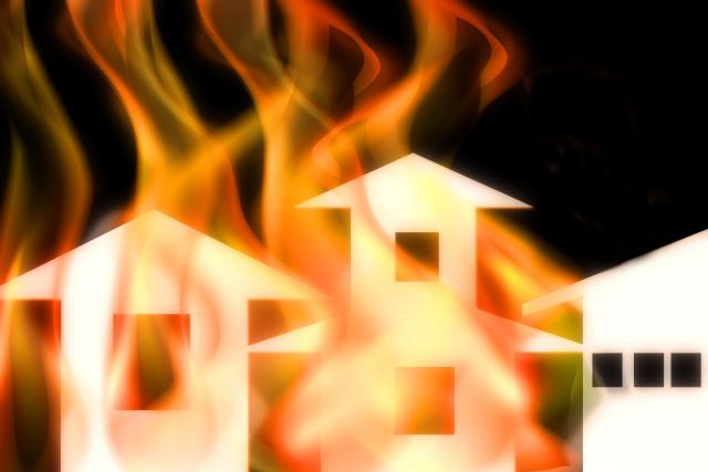 火災時の安全な逃げ方とは?身を守るための方法や注意点の画像